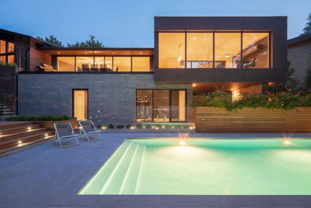 نمای ویلا ترکیب سنگ و آجر سنگ نمای ساختمان مدرن ترکیبی کلاسیک